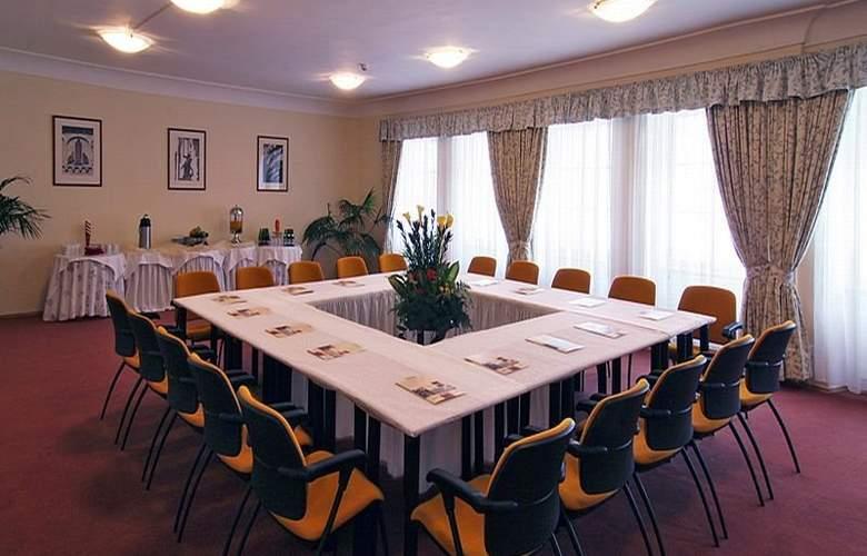 Constans - Conference - 14