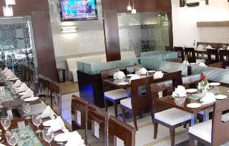 Sapphire Regency - Restaurant - 8