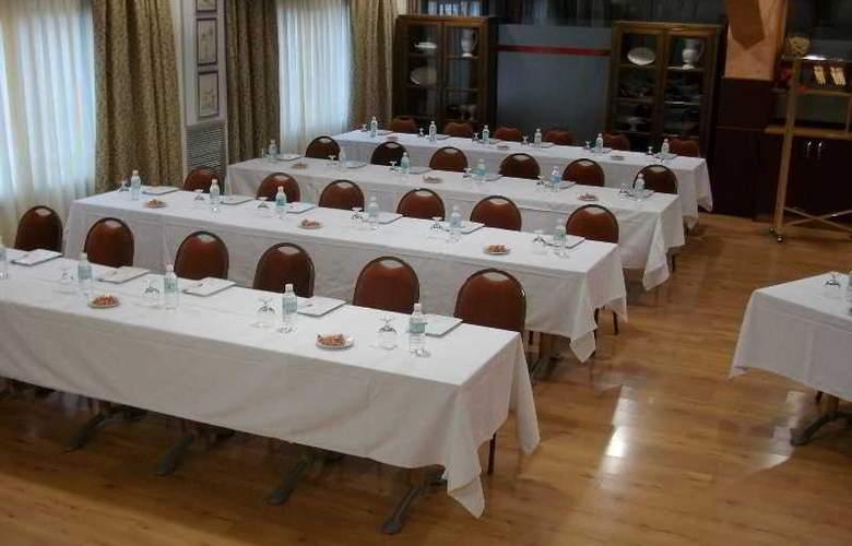 Palacios - Conference - 14
