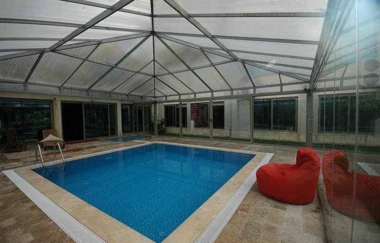 Akbulut Hotel - Pool - 5