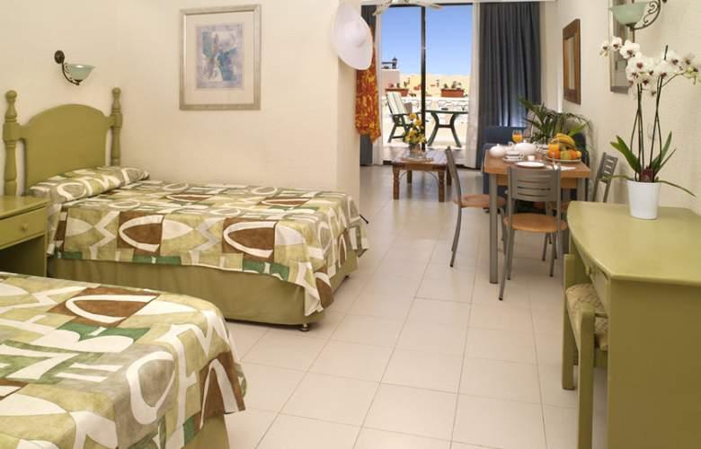 Paradise Court Aparthotel - Room - 8