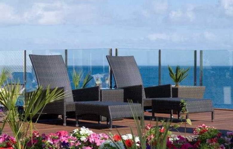 Pestana Promenade Ocean Resort Hotel - Terrace - 12