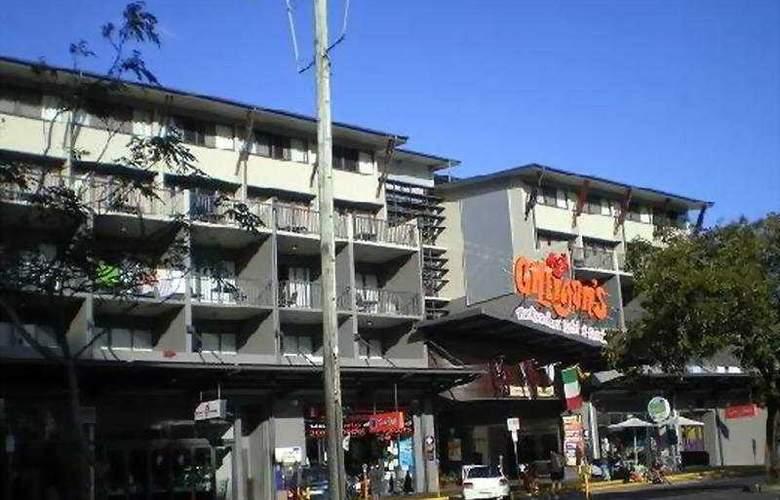 Gilligan's Backpackers Hotel & Resort Cairns - General - 1