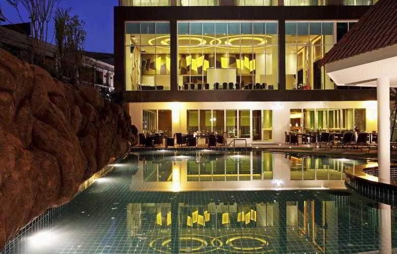 Centara Nova Hotel and Spa Pattaya - Pool - 20