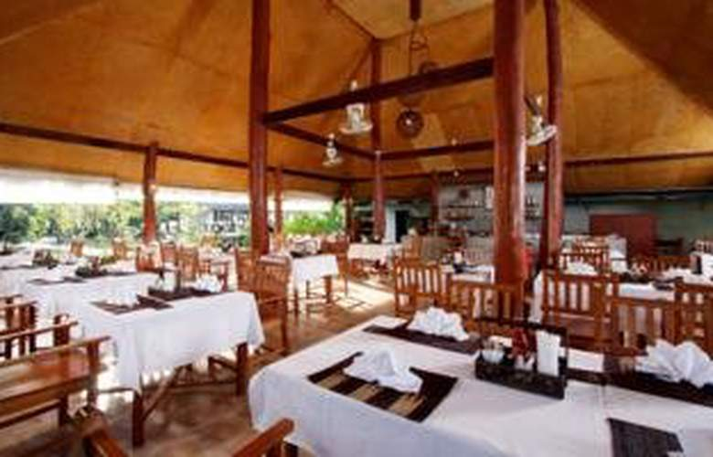 Amandara Beach Resort - Restaurant - 11