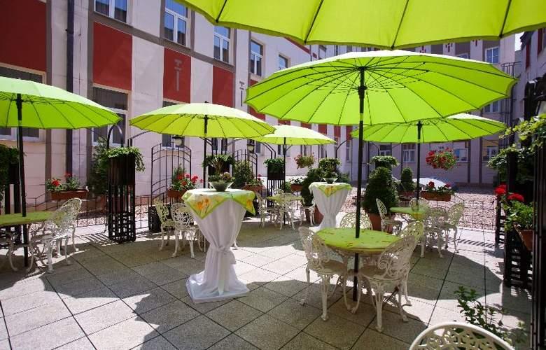 Best Western Hotel Meteor Plaza - Terrace - 44