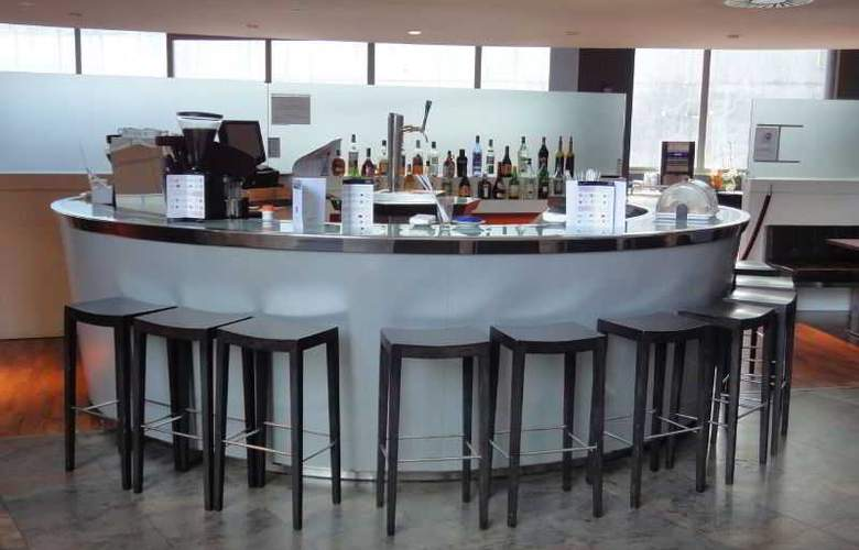 Eurohotel Barcelona Gran Via Fira - Bar - 28