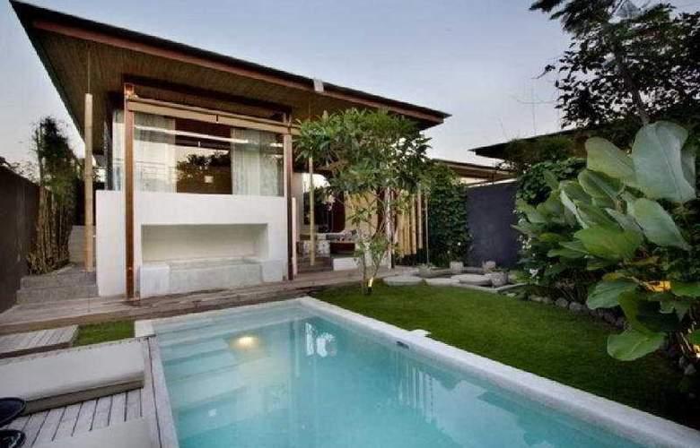 Kiss Bali - Pool - 7