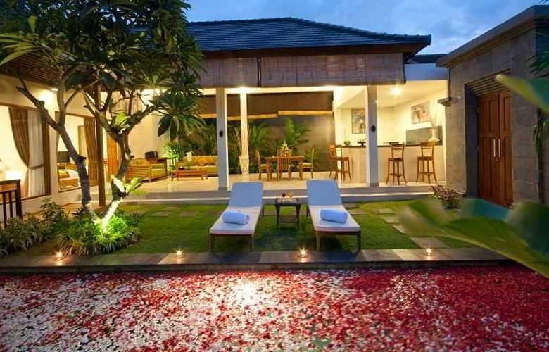 Sandi Agung Villa - Pool - 2