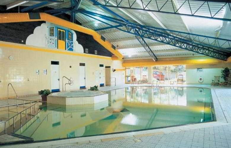 Holiday Inn Runcorn - Pool - 1