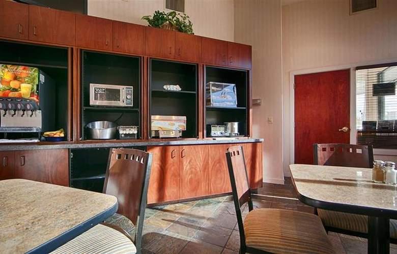 Best Western Greentree Inn - Restaurant - 89