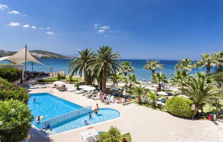 Tusan Beach Resort - Pool - 4