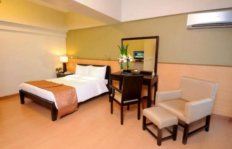 The Malayan Plaza Hotel - Room - 1
