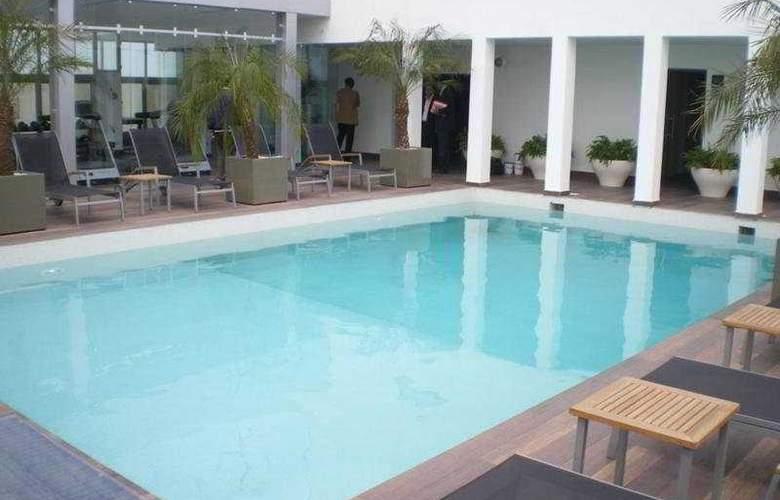 Mövenpick Casablanca - Pool - 9