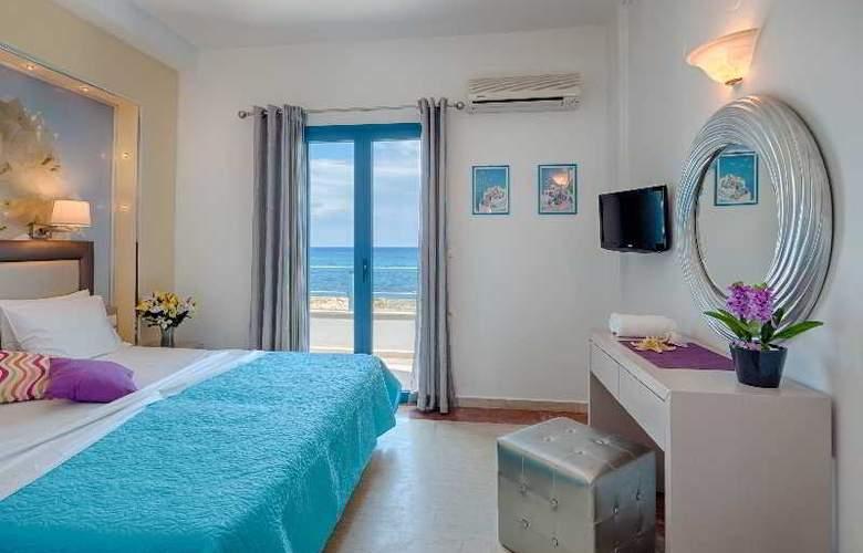 Pyrgos Beach Apartments - Room - 13