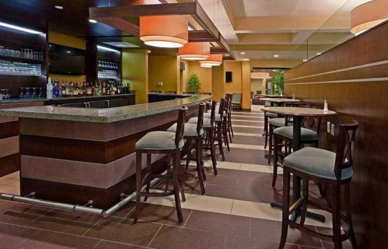 Holiday Inn Titusville / Kennedy Space Center - Bar - 6