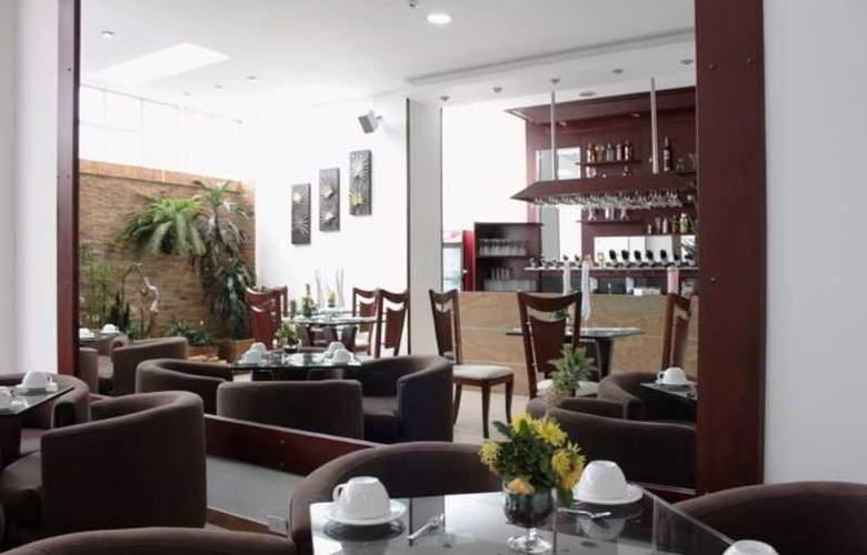 Hotel Platinum Suite - Bar - 1