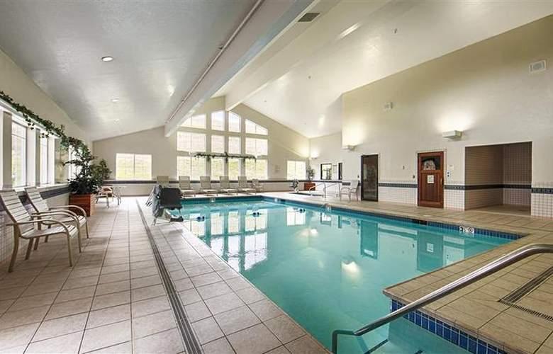 Best Western Plus Grant Creek Inn - Pool - 45