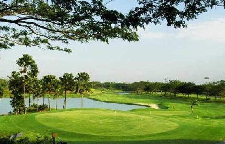 Ciputra Golf Club & Hotel Surabaya - Sport - 7