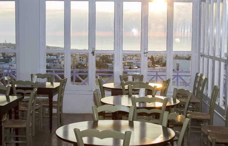 Axiothea Hotel - Restaurant - 22