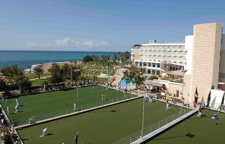 Constantinou Bros Athena Royal Beach Hotel - Sport - 25