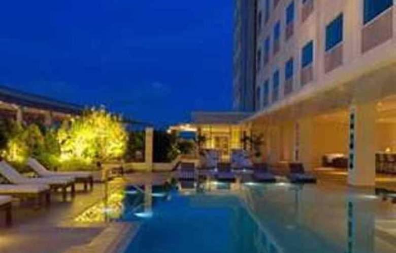 Park Inn by Radisson Davao - Pool - 3