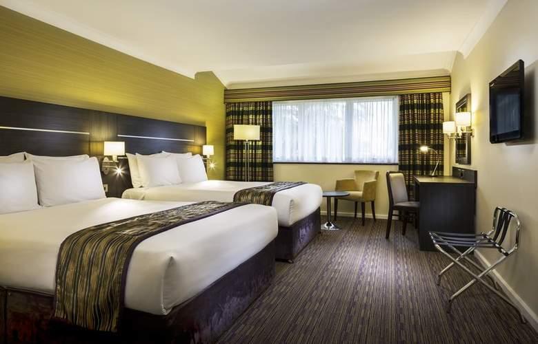Holiday Inn London Gatwick Worth - Room - 1