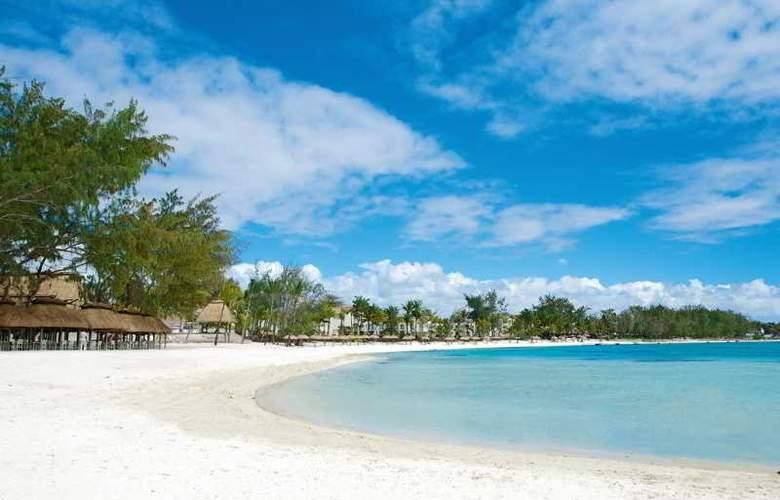 Ambre - Beach - 3