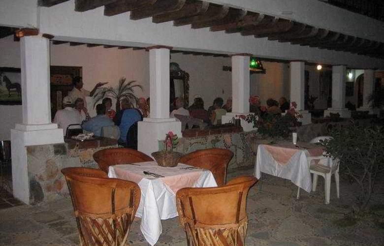 Hacienda la Puerta de Enmedio - Restaurant - 3