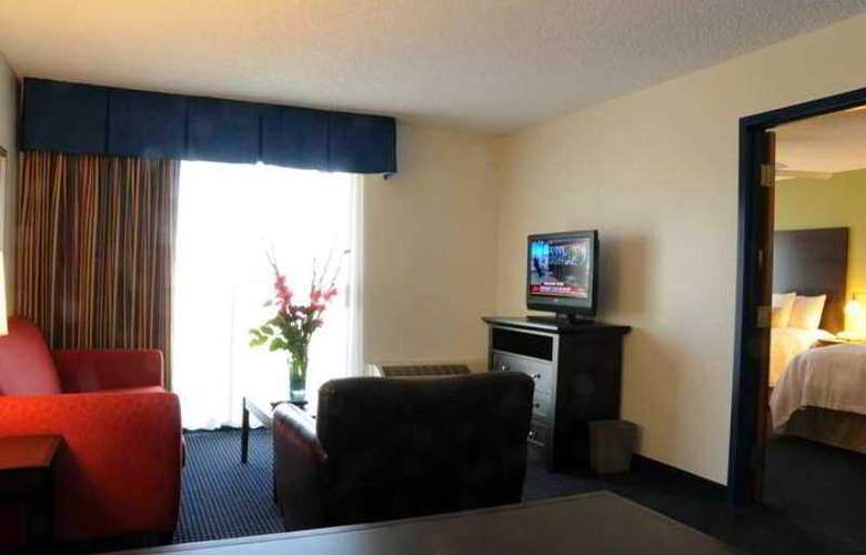 Hampton Inn Anaheim - Hotel - 6