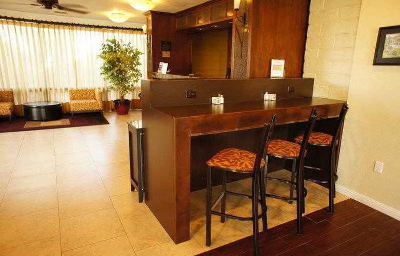 Best Western Plus Orchard Inn - Hotel - 14