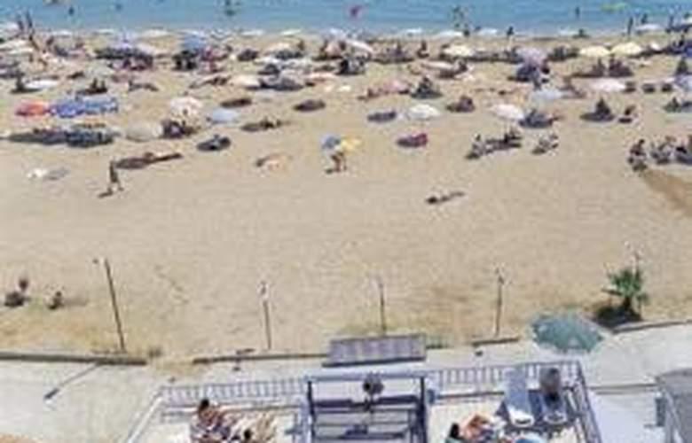 Sea Bird Hotel - Beach - 4