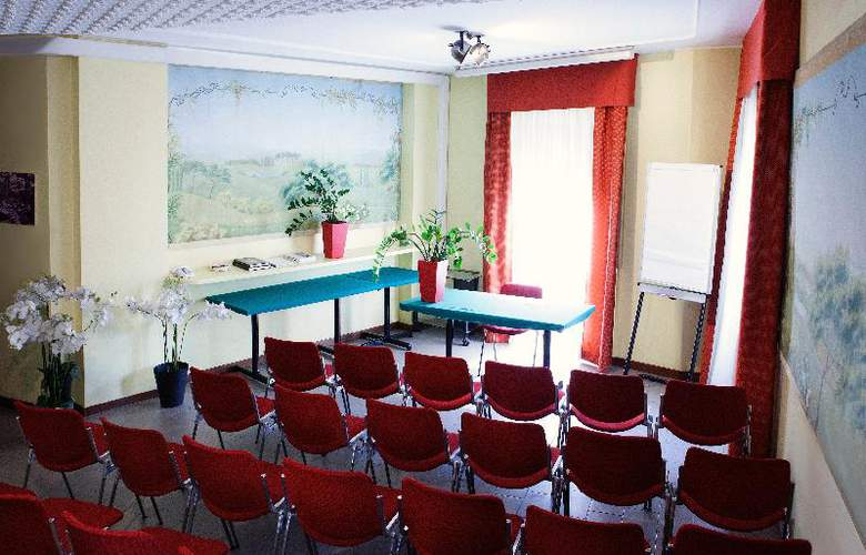 Mennini - Conference - 15