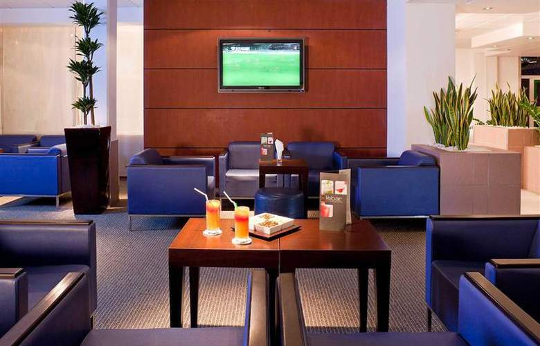 Novotel Saint Quentin Golf National - Bar - 82