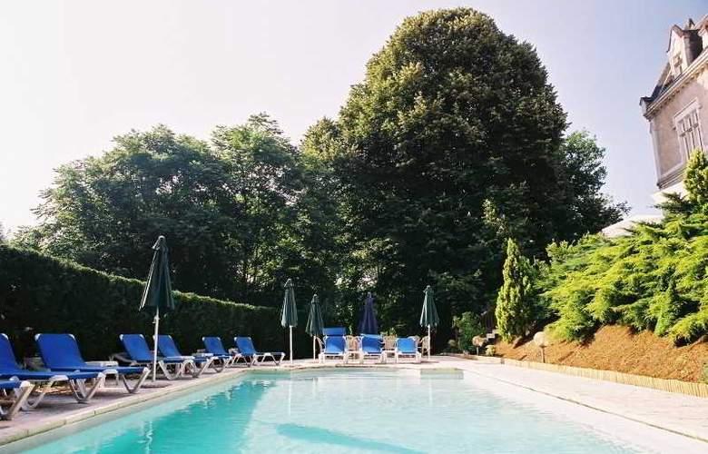 L'Orangerie du Chateau - Pool - 16