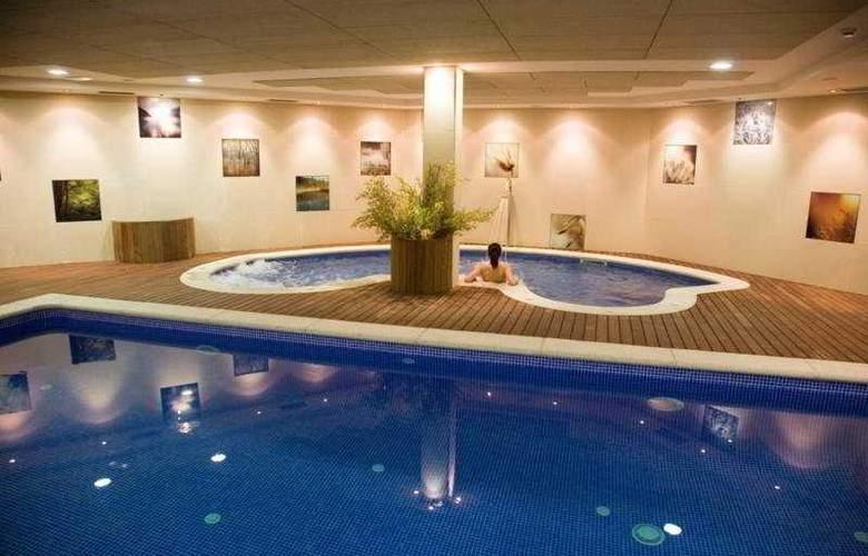 Silken Ciudad Gijon - Pool - 3