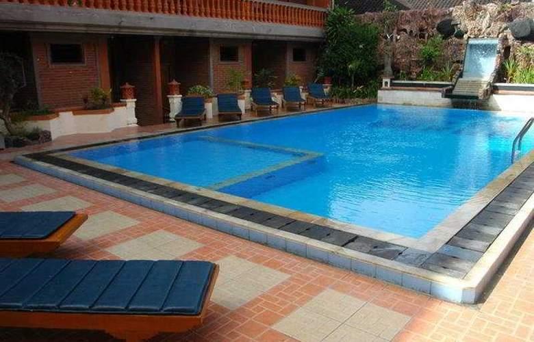 Sorga Cottages - Pool - 5