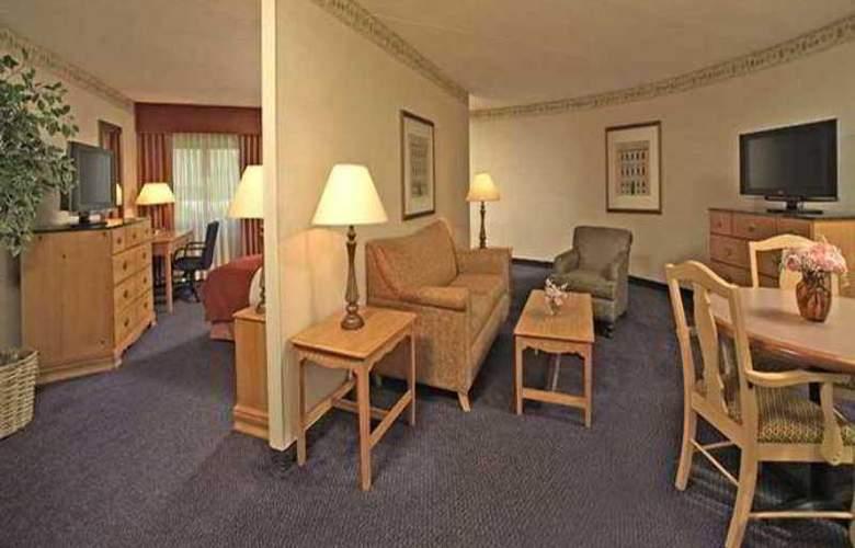 Hilton Long Island/Huntington - Hotel - 3