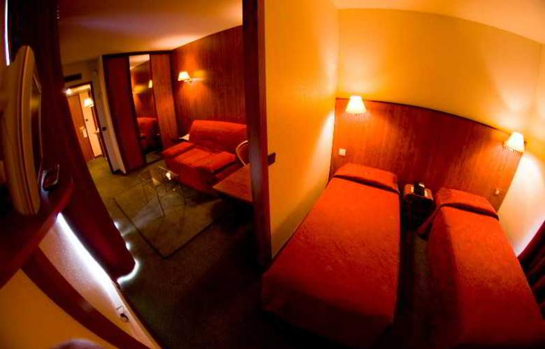 INTER-HOTEL AIRPORT HOTEL - Room - 4