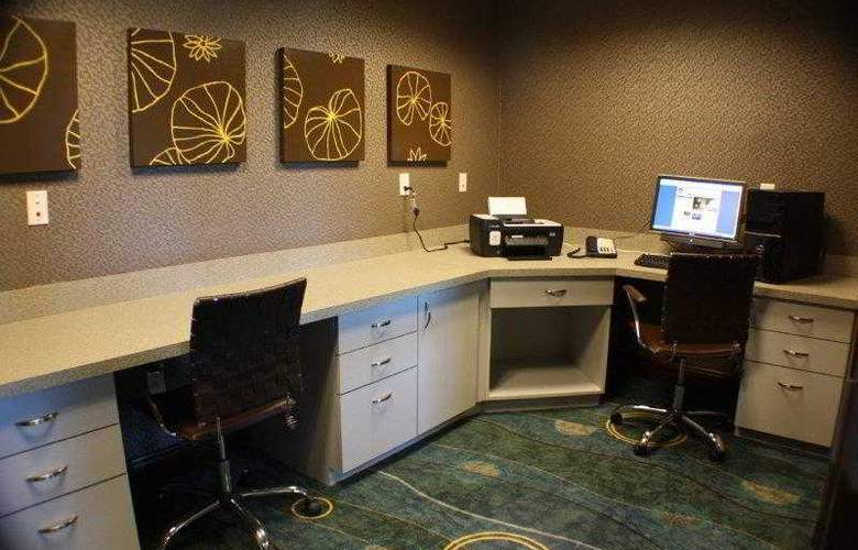 Best Western Plus Chain Of Lakes Inn & Suites - Hotel - 8