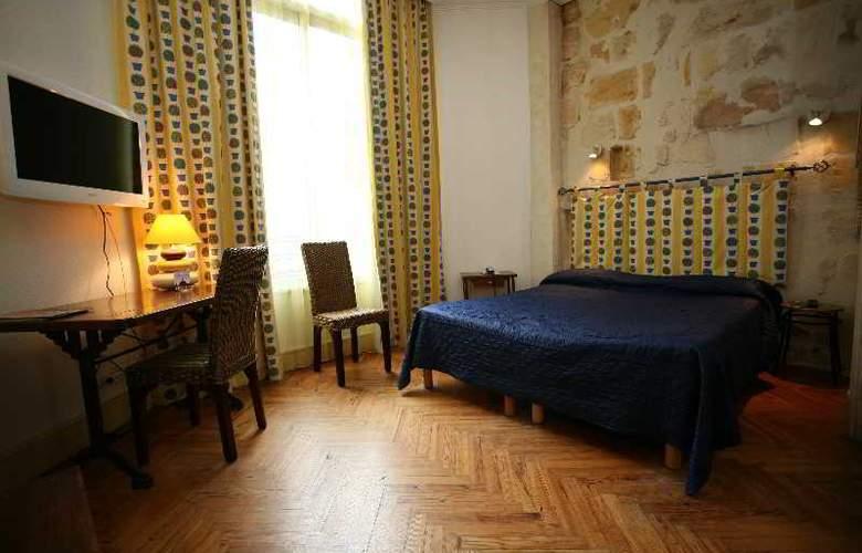 QUALYS-HOTEL LA TOUR INTENDANCE - Room - 13