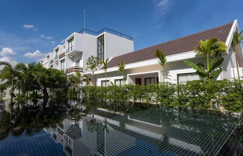 Lynnaya Urban River Resort - Pool - 9