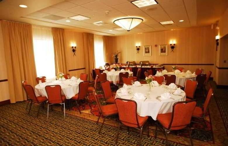 Hilton Garden Inn Oconomowoc - Conference - 9