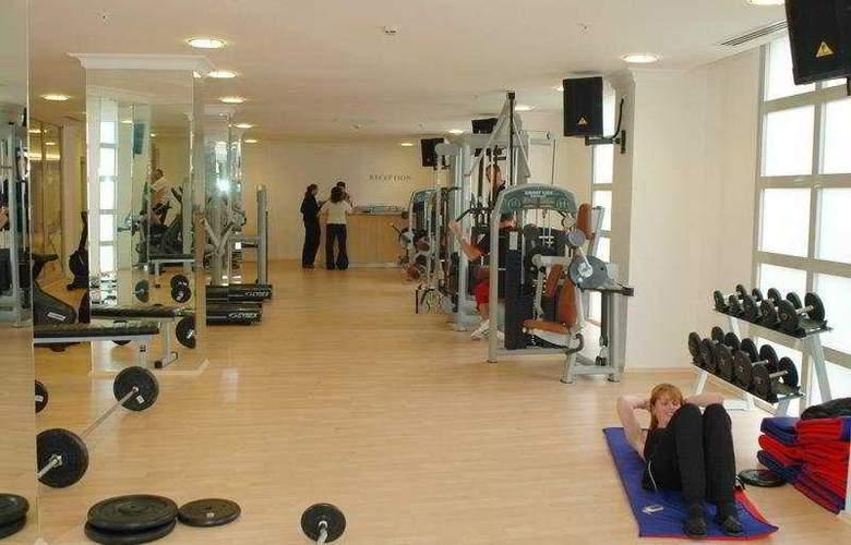 Deluxe Hotel Pinetapark - Sport - 9