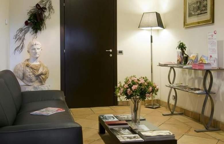 Green Poggio Regillo - Hotel - 1
