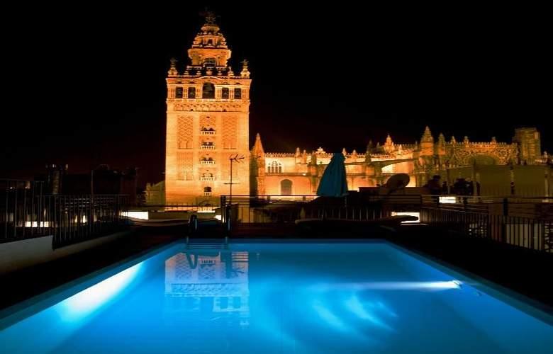 EME Catedral Hotel - Pool - 4