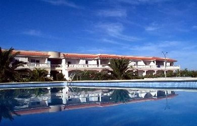 Royal Delta Apartamentos - Pool - 3