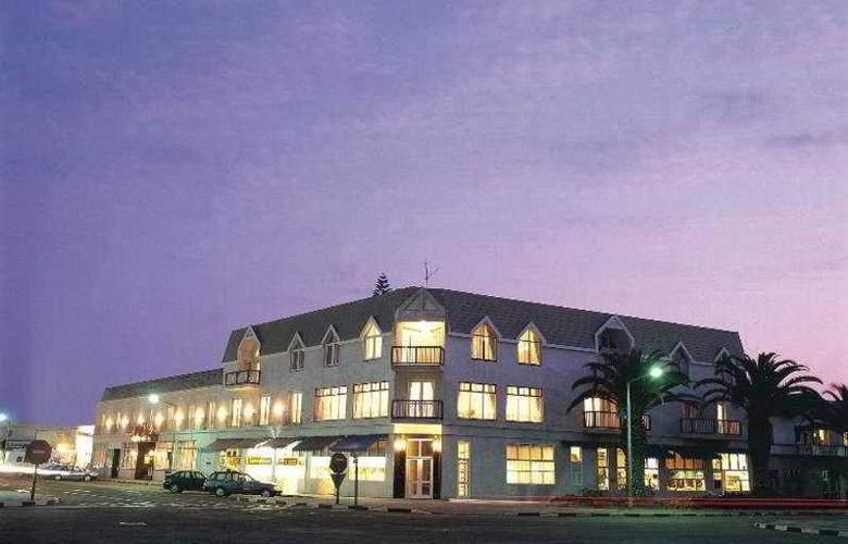 Hansa - Hotel - 0