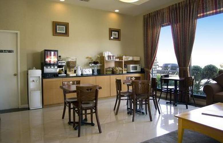 Best Western Pasadena Inn - Bar - 3