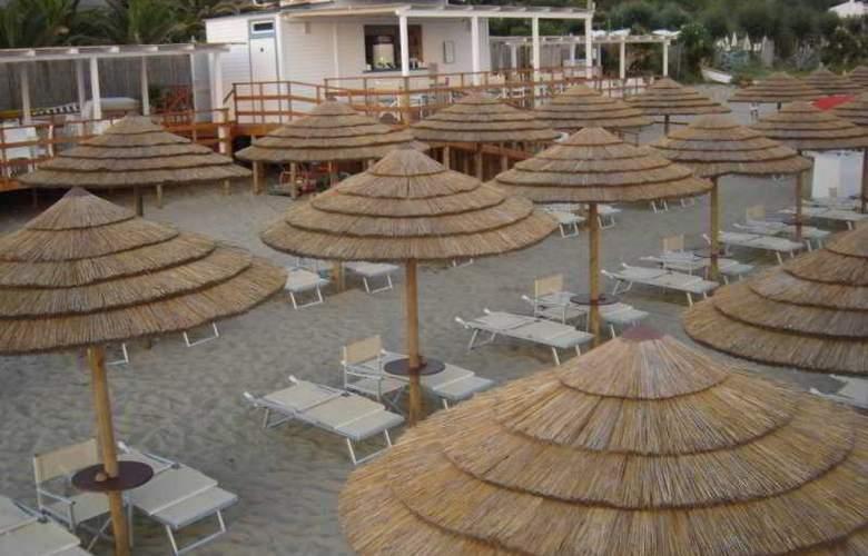 Ganimede - Beach - 4